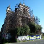 """La chiesa inagibile della parrocchia """"Maria SS. della Libertà"""", in San Leonardello di Giarre."""